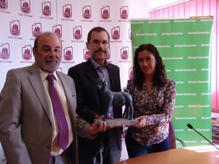 ELEGIDOS LOS PRIMEROS PREMIOS BAIFO. Juan Luis Calero, Roque Calero y el futbolista Braulio, entre los galardonados