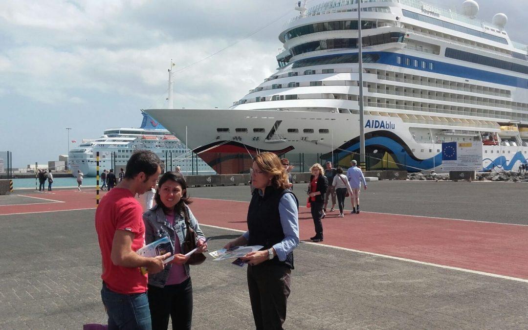 El Carnaval se promociona entre los cruceristas que llegan a Puerto