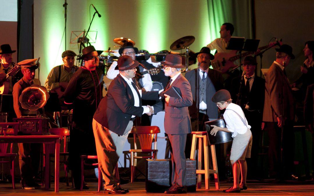 Amolán cautiva al público con su espectáculo «Unamuno y la Fuerteventura de entreguerras»