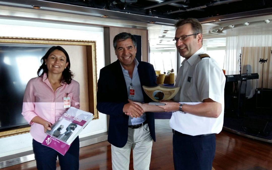 El Ayuntamiento da la bienvenida al crucero «Maasdam»