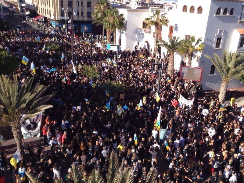 Puerto acoge la mayor manifestación ciudadana de la historia de la isla