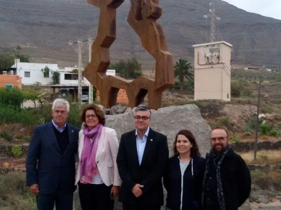 La escultura «Gracias Madre» ya luce en el pueblo de Tesjuate