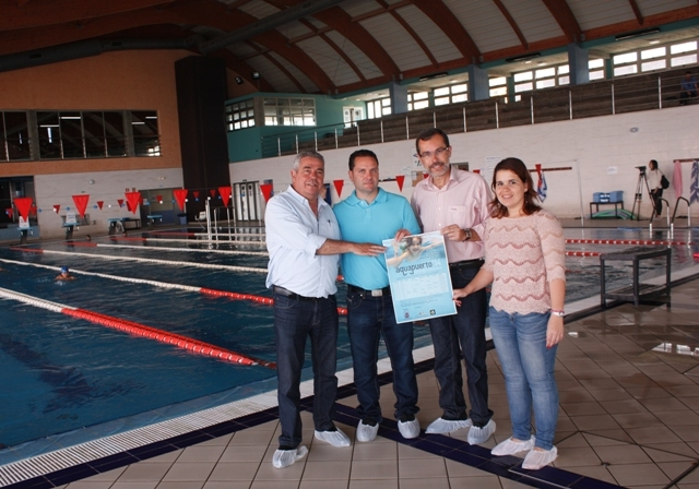 Vuelve Aquapuerto, enseñando a nadar a los niños y niñas portuenses