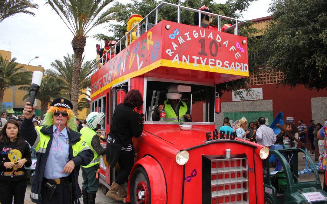 Reunión con los participantes en la Carrera de Arretrankos carnavalera