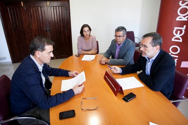El Ayuntamiento de Puerto del Rosario solicita al Ministerio de Fomento que la línea marítima Canarias-Cádiz siga haciendo escala en el puerto de Puerto del Rosario