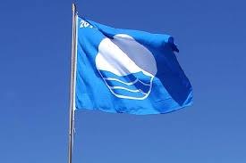 Izado de la Bandera Azul en la Playa de Los Pozos