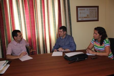 LOS ALCALDES DE LA LAGUNA Y PUERTO DEL ROSARIO COMPARTEN EXPERIENCIAS EN PARTICIPACIÓN CIUDADANA