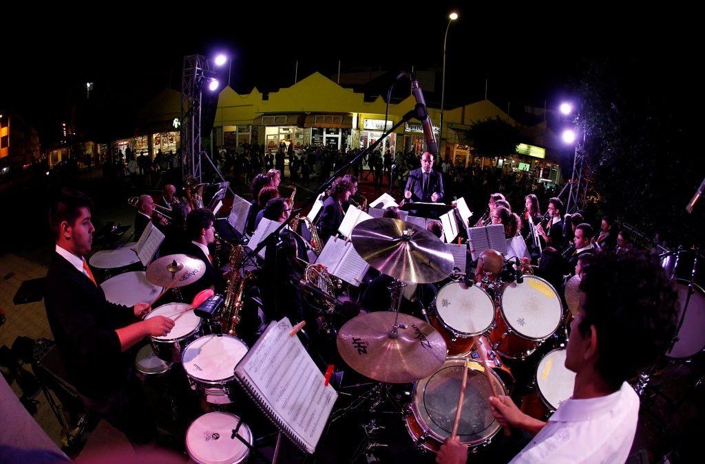 La  «Noche Blanca» en la Zona Alta vuelve a concitar el intéres del público