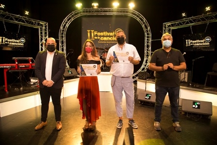 Yéssica Umpiérrez y Yeray León, primer y segundo premio del II Festival de la Canción