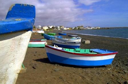 La capital solicita situar las embarcaciones de Puerto Lajas en la correspondiente zona de varada en un plazo de un mes