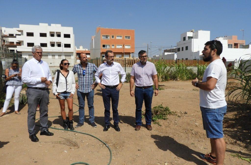La productora de la película Solo deja su huella ecológica en Puerto del Rosario