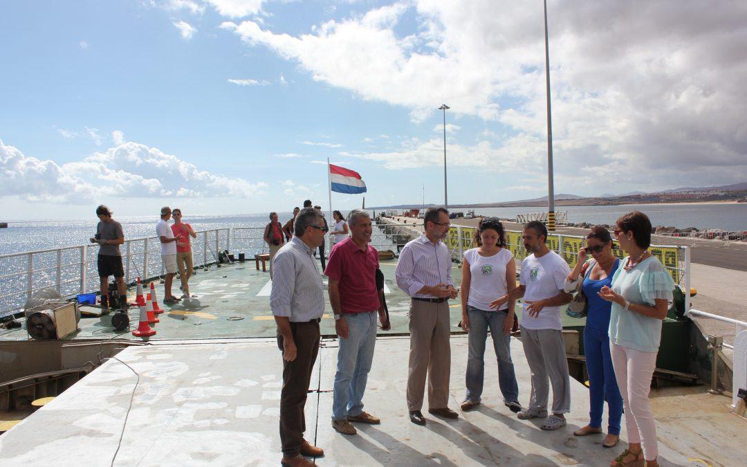 Visita de una  Delegación del Ayuntamiento al «Artic Sunrise» de Greenpeace