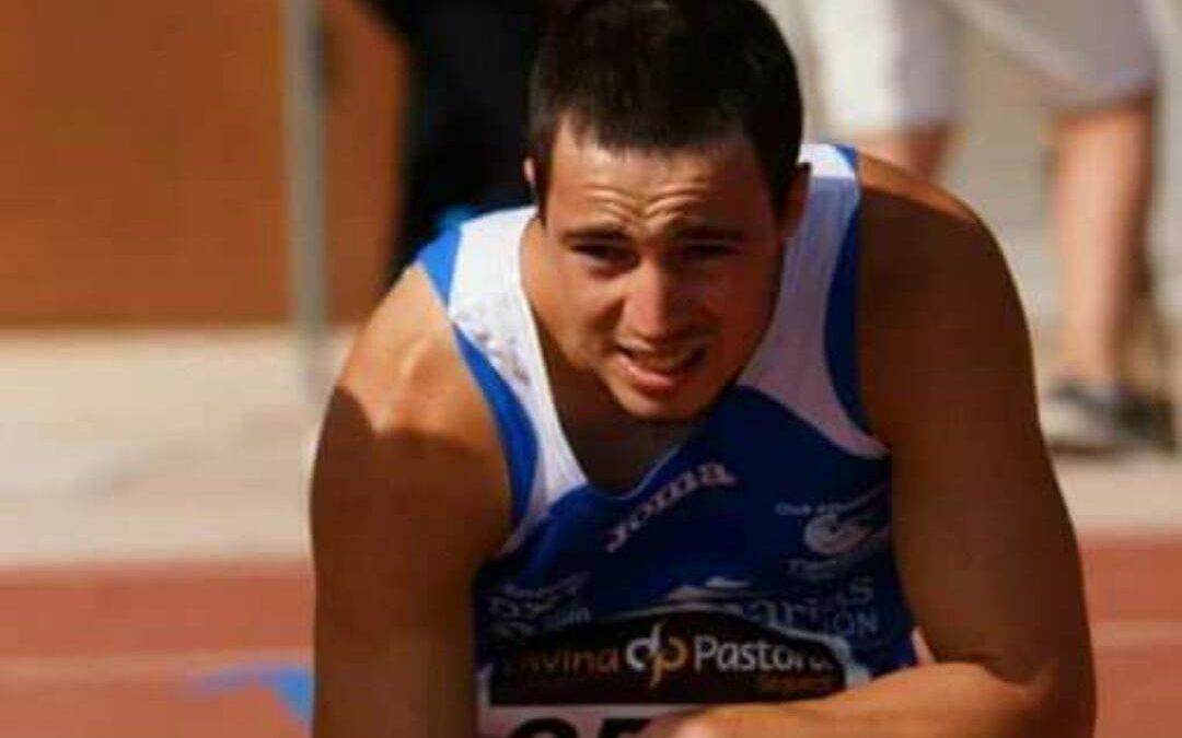 Felicitaciones a Adrián Pérez, campeón de España universitario en 100 ml
