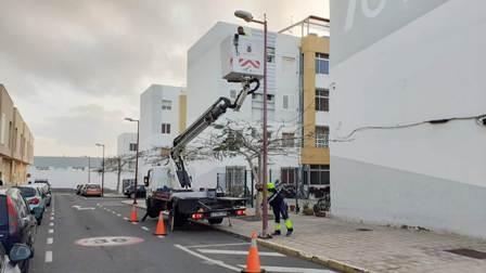 Pto. del Rosario actúa en el mantenimiento y conservación del alumbrado público