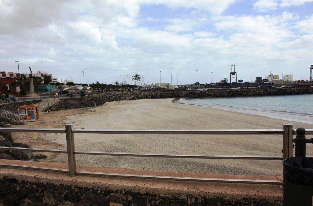 Se abre al público la Playa de Los Pozos, una vez concluido el aporte de arena