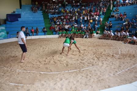 Los alumnos y alumnas del colegio Pablo Neruda, campeones de Lucha Canaria
